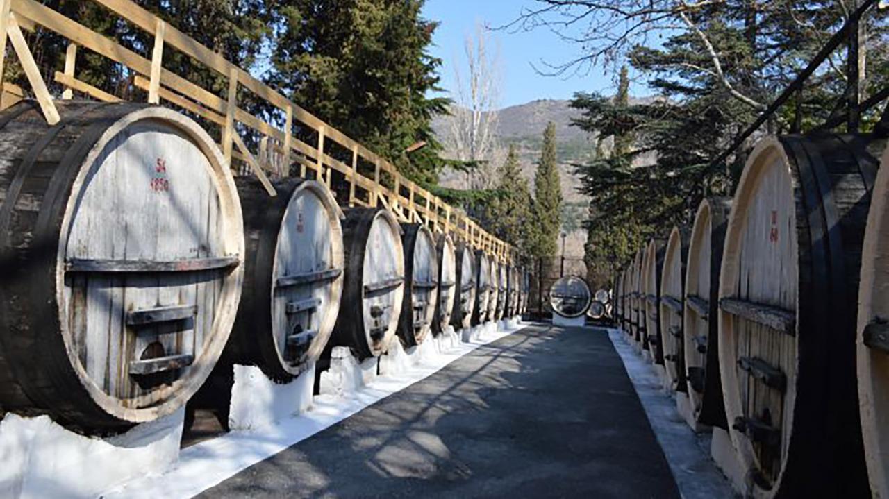 Действующий вино-коньячный завод в Крыму